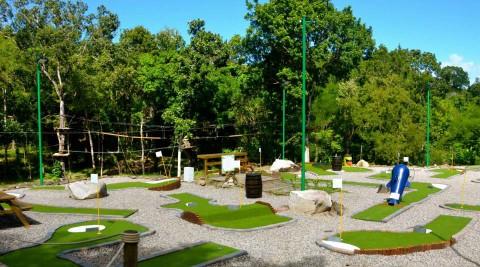 Mangofil : 1 place mini-golf achetée = <br>1 place offerte !